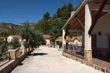 Casas Rurales El Tejo Yeste Y El Mirador Del Segura
